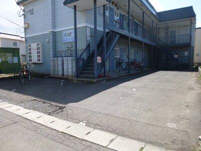 パフィオパートII 弘高下駅近く、閑静な住宅街の中のアパートです。