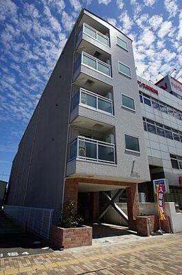 b'CASA Yokohama Higashi [ビーカーサヨコハマヒガシ] 「光インターネット無料」のデザイナーズマンションです。