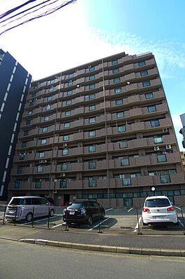 ジュフク松本 東別院駅から徒歩6分。オートロック付きのマンションです。敷地内駐車場に空きもありますよ。お部屋は3…