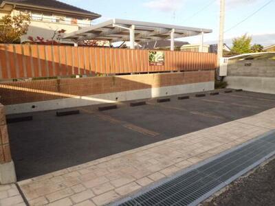 七ツ池駐車場