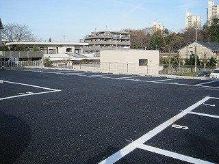 峯岸駐車場
