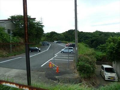 三崎口駅前パーキング