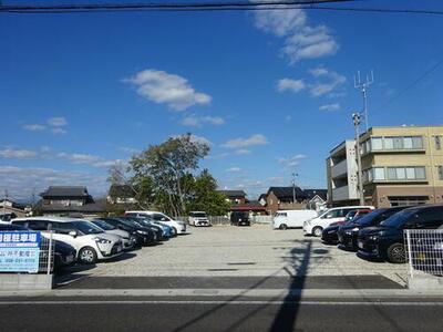 下尻毛バス停前駐車場(P146)