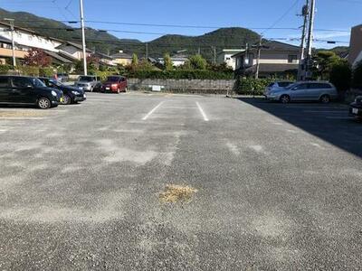 屋形駐車場