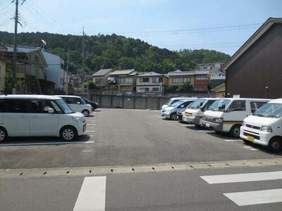 石塚町ガレージ