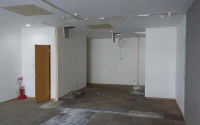 ライオンズマンション六甲口 ライオンズマンションカラーの建物です。