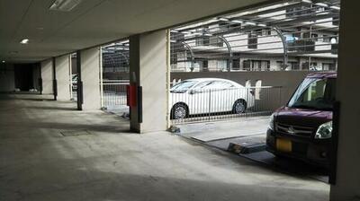 ベルストーン本牧駐車場