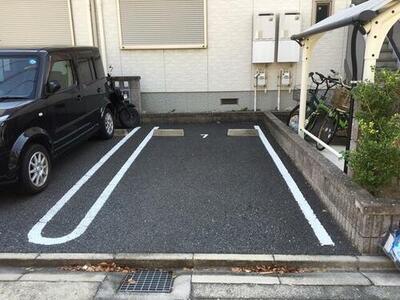 FKメゾン・ド・ショパン駐車場