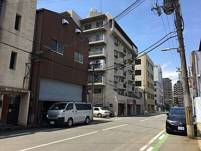 浪速区桜川4丁目 2階建て貸倉庫