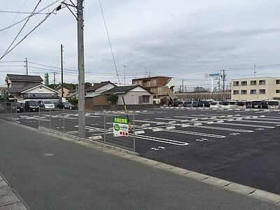 小豆餅三丁目原田様駐車場