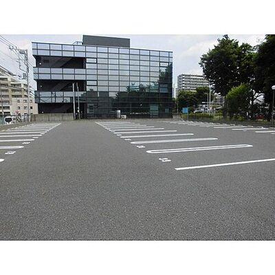 ヨシハナ東新井駐車場