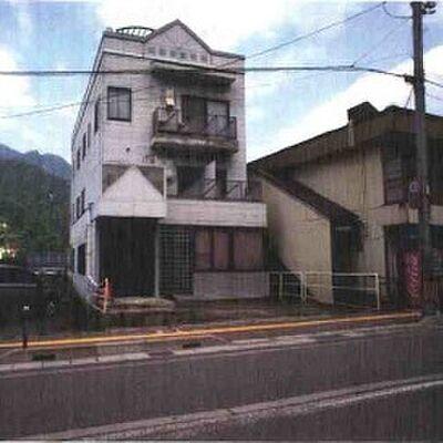 南魚沼郡湯沢町メイプル館事務所3階B号室
