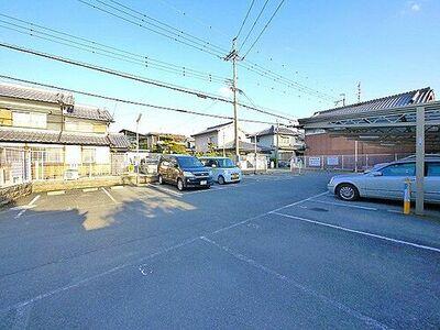 吉岡駐車場