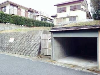 堀車庫と前面道路
