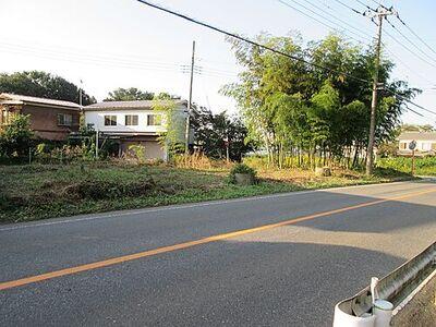 日高市大字大谷沢 建築条件無し売地 現地写真です。敷地は広々約113坪ございます。