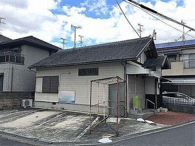 大和高田市大谷 売土地 近鉄大阪線「築山」駅まで徒歩8分。土地約40坪の南東角地です。解体更地渡しとなります。
