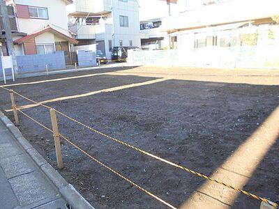 府中市緑町3丁目 京王線「東府中」駅徒歩9分、敷地面積約25坪の整形地。建築条件無し売地 全2区画。