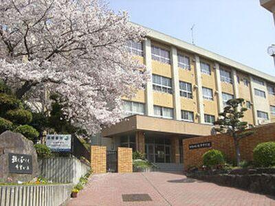 和歌山市立紀伊中学校まで604m