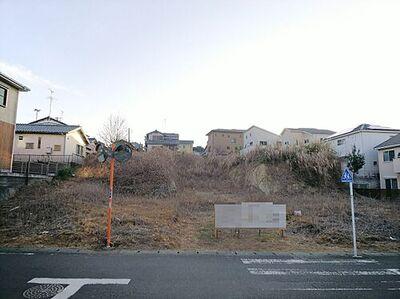 鎌倉市城廻 建築条件無し売地 現地土地写真です。