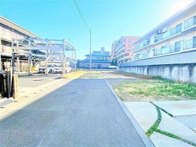 厚木市恩名1丁目 建築条件付き売地 NO.4 前面道路含む現地外観