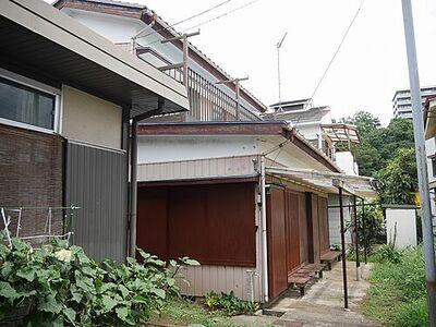 相模線上溝駅徒歩圏の売地。建築条件ありません。古家をリフォームして住むこともできます。