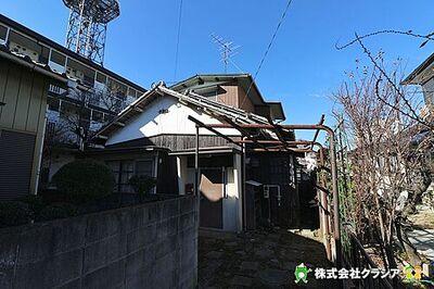 <クラシア> ~のびのびした暮らし~ 坂戸市本町 駅から徒歩6分。閑静な住宅街に立地しています(2018年1月撮影)