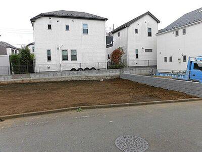 小学校の近く。大きなお庭が作れます 87-1