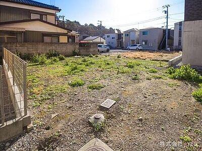 松戸市松戸(土地) お家をただ売るだけでなく、一緒に購入を考えるコンセプトにお客様のご要望、月々のお支払いなど生活環境も含めてご提案致します。撮影日(2021-01-19)