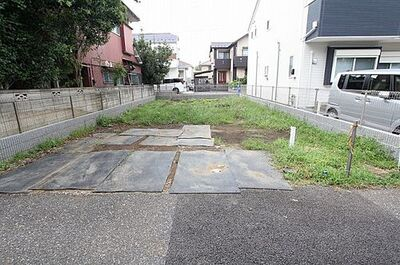 西東京市下保谷5丁目 建築条件無し売地 全2区画 南道路につき陽当りの良さが魅力。