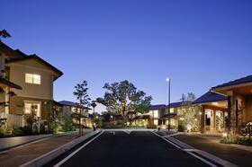 街のシンボルツリーを中心に広がる<BR>コミュニテイ邸宅街 いよいよ販売開始。<BR>現地(2020年10月)撮影