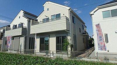 所沢市中富南3丁目・全8棟 新築一戸建 8号棟 ~設備充実~ バルコニ側は空き地になっているので、陽当りの良い住宅です。