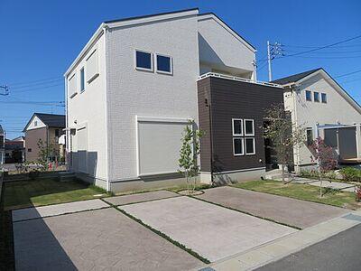 岐阜市鏡島 新築3号棟 駐車スペースは2台分あります。