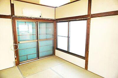鎌ケ谷市鎌ケ谷9丁目 中古 3K 約6帖の和室です。