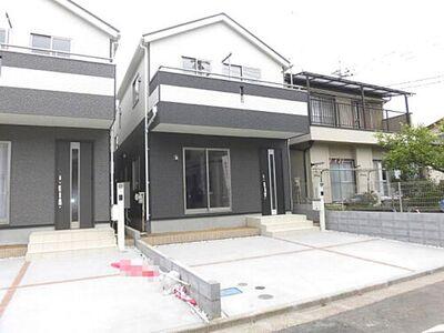 所沢市中新井4丁目・全2棟 新築一戸建 2号棟 ~南道路~ 南道路で陽当たりの良いお家です。建物完成しておりますので是非一度ご覧下さいませ。