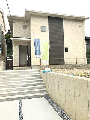 新築戸建 リナージュ 深草大亀谷古御香町19-1期 落ち着いた雰囲気の外観です!!