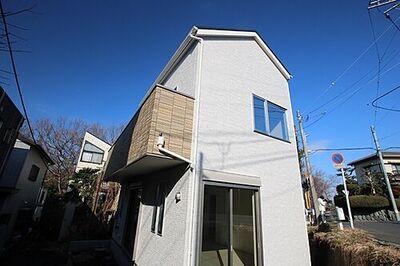 保土ケ谷区川島町 新築戸建 スタイリッシュな印象を演出する外観。