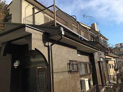 横浜市保土ケ谷区瀬戸ケ谷町 中古 4LDK 建物外観です。