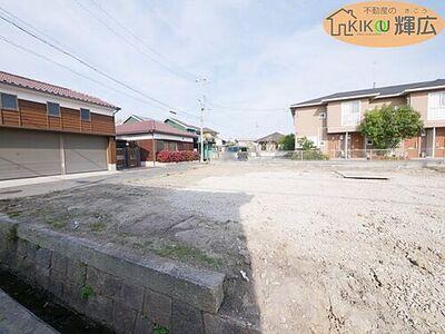 明石市大久保町江井島2期(全3棟)2号棟 土地面積148.58平米の4LDKです。完成予定は10月中頃です。まだ、未完成ですが現地ご案内はいつでも出来ます