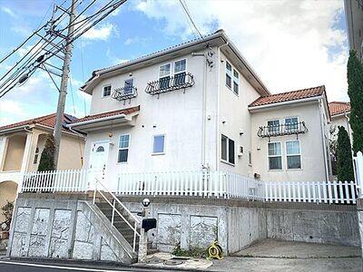 飯島町中古戸建 ここから始まる「日常」はご家族にとって大切で貴重な時間。少しでも豊かに、少しでも快適に。そんな想いから生まれた本邸宅は、これから先のお住まいをきっと支えてくれるはずです。