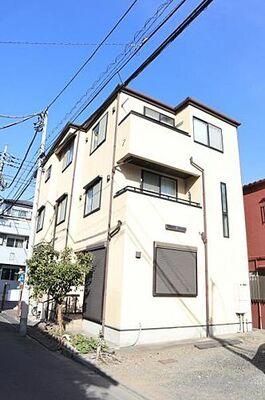 新蒲田3丁目 中古一戸建て この場所だからこそ叶えられる開放感、「陽光を取り入れた住宅」です。 是非現地でご体感下さいませ。