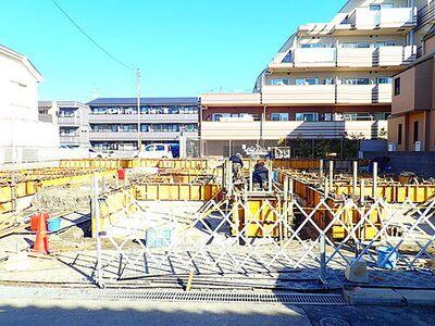 市川市湊新田1丁目 本物件は全5棟の分譲住宅です。