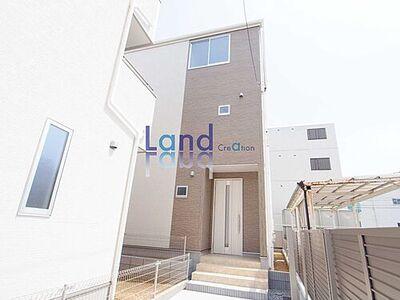 川口戸塚第3 新築住宅/全2棟 温かい色使いが優しい印象の外観です。