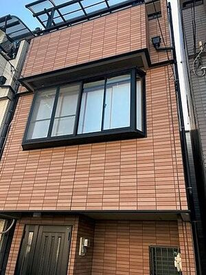 大阪市生野区巽北2丁目 外観タイル張りの3階建の物件です。