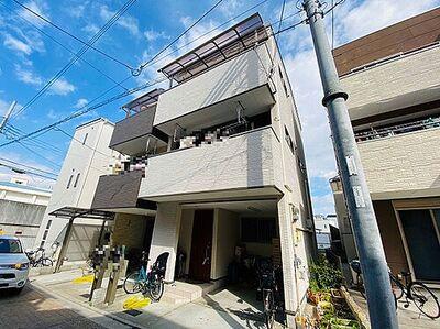 大阪市平野区喜連東2丁目 中古一戸建て バルコニーが2か所ある3階建ての一戸建てです