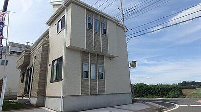 所沢市中富南3丁目・全8棟 新築一戸建 3号棟 ~設備充実~ 北東角地に面した、明るく風通しに恵まれた区画です。