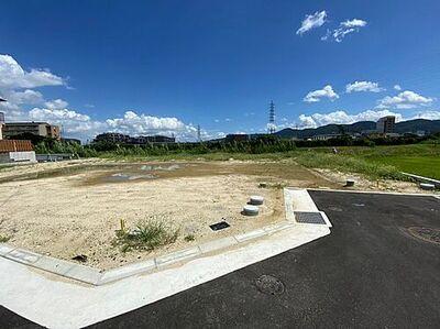 枚方市茄子作東町 新築一戸建て 1期 6号棟 現地外観です。完成が楽しみですね