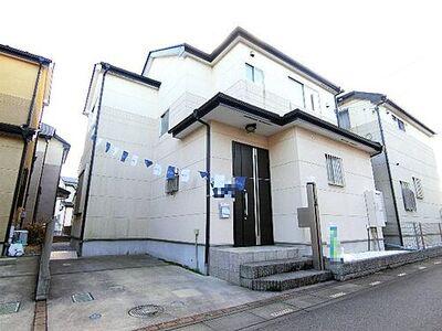 川口市東本郷 中古 4LDK 建物外観です。
