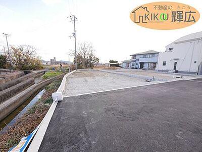 姫路市花田町小川9期(全2棟)1号棟 土地面積148.75平米の4LDKです。完成予定は令和3年5月下旬予定です。まだ、未完成物件ですが現地ご案内はいつでも出来ます