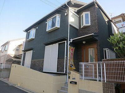 寝屋川市成田東が丘 中古一戸建て 閑静な住宅地に所在する一戸建てです