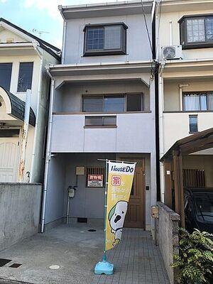 醍醐槇ノ内町 中古戸建 ガレージスペースは【2.1m×5.2m】です。1BOX車も駐車可能です!